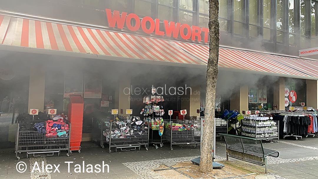 Feuer in der Woolworth-Filiale in der Hagener Innenstadt