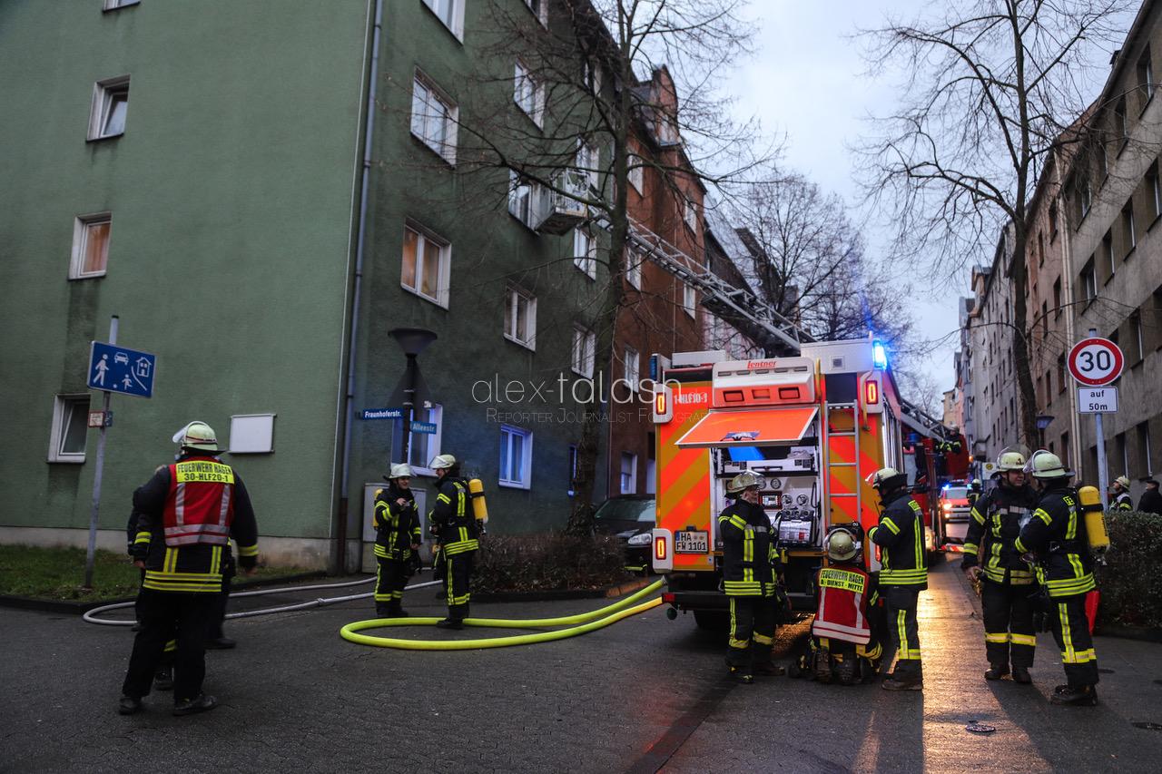 Zigarette verursacht tödlichen Wohnungsbrand – Feuerwehr macht einen grausamen Fund
