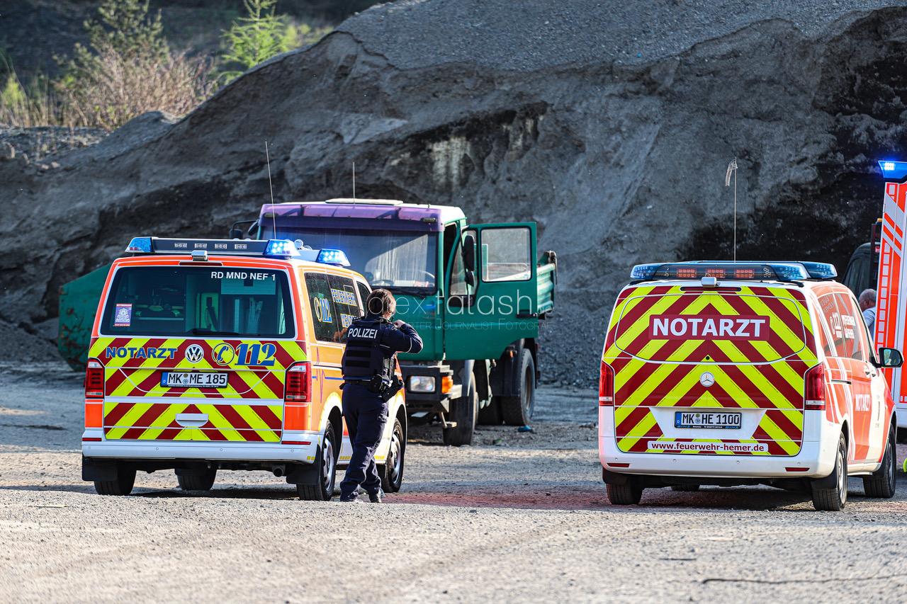 Vater und Söhne von rollendem Laster erfasst – Fünfjähriger stirbt