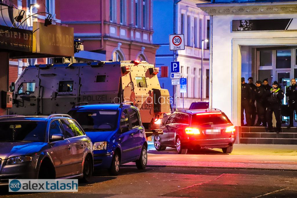 Schussabgabe auf Polizeibeamte in Gevelsberg – Polizist schwer verletzt – Schütze nach Schießerei festgenommen