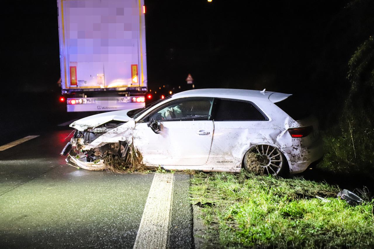 Schwerer Unfall auf A1: Ferrari-Fahrer (25) verliert Kontrolle über sein Fahrzeug