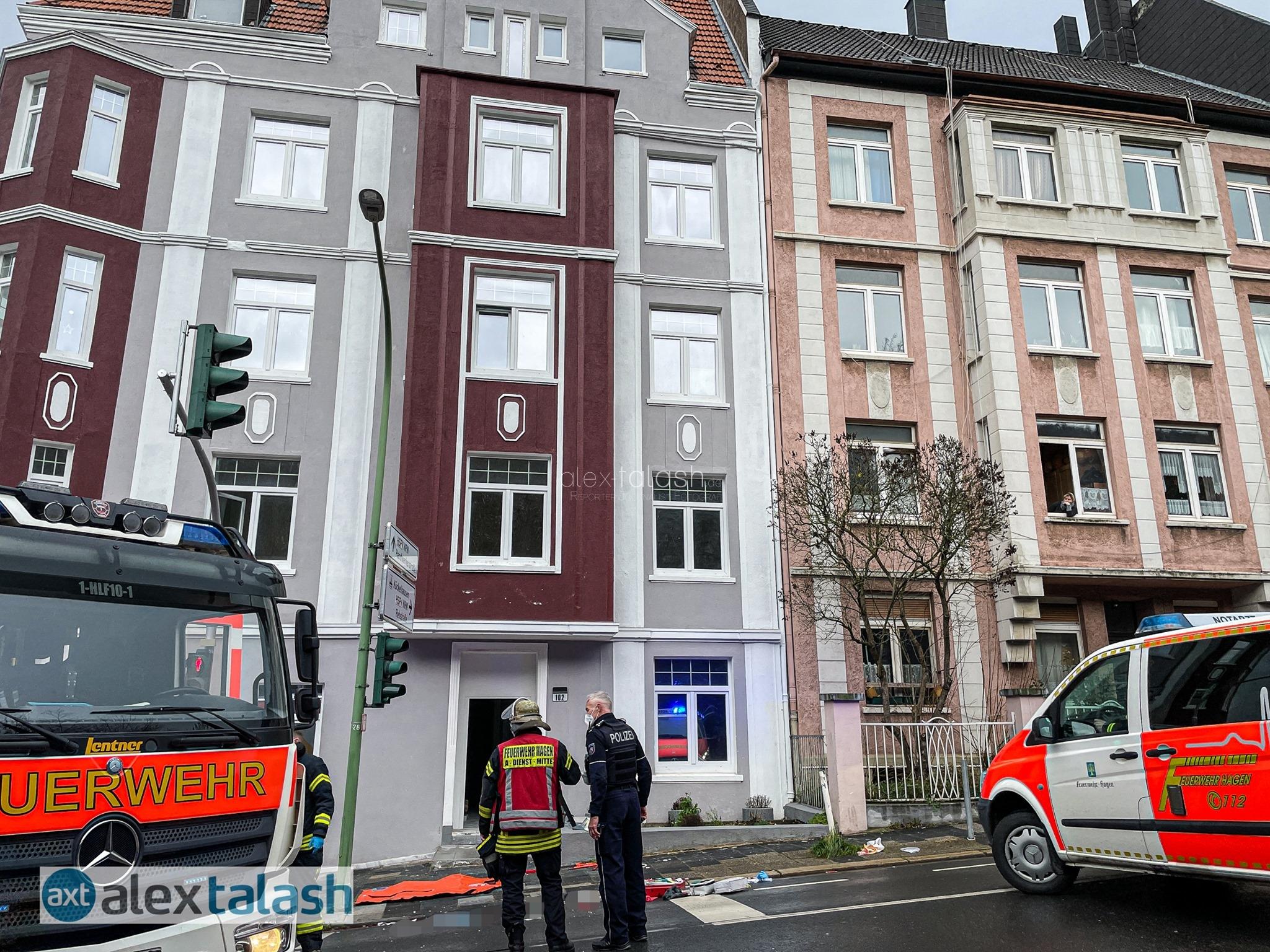 Tödlicher Sturz: 21-Jähriger fällt von Balkon
