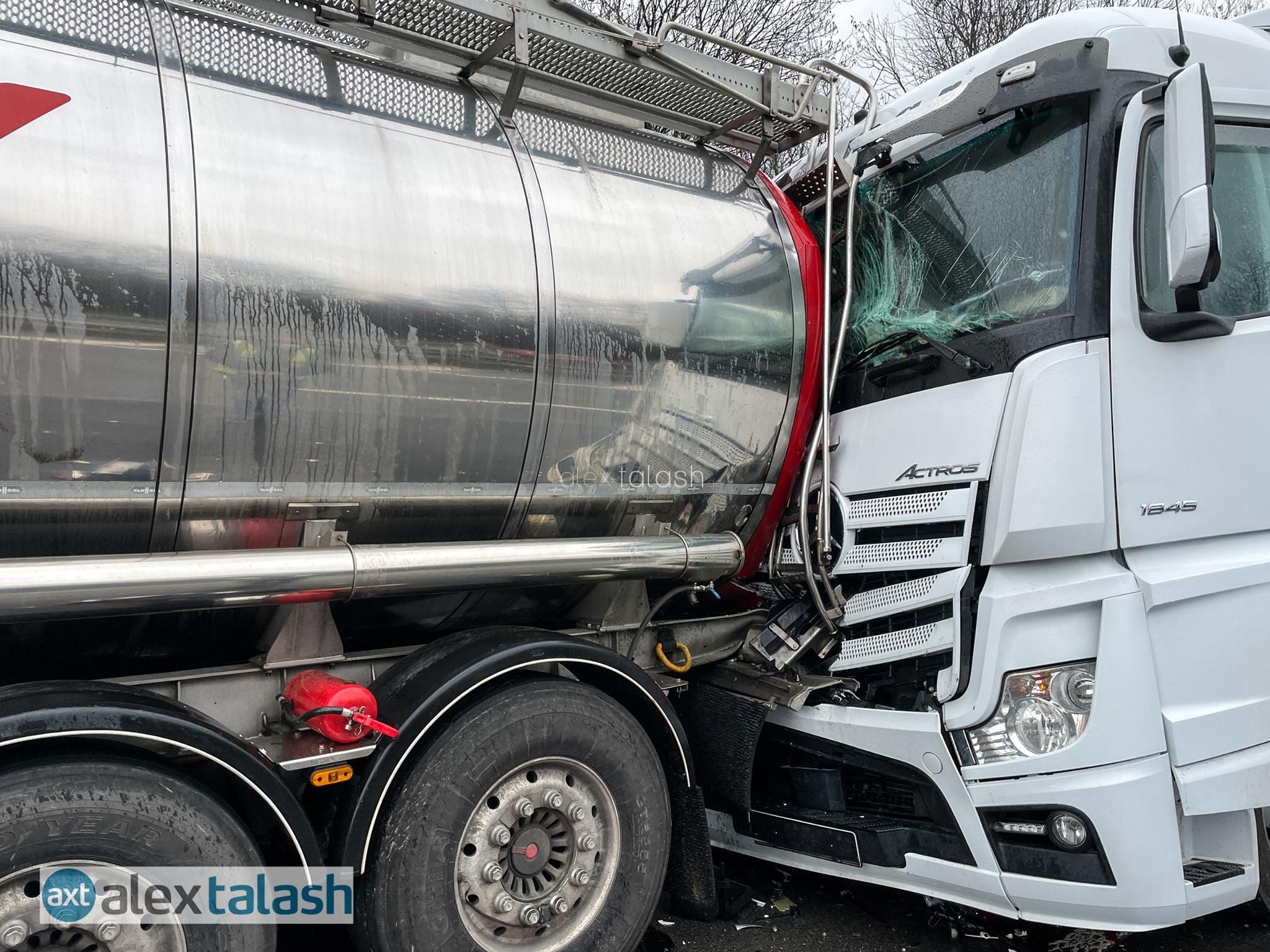 Über 10 Kilometer Stau: Unfall mit Gefahrgut-Lkw auf der A1 bei Hagen